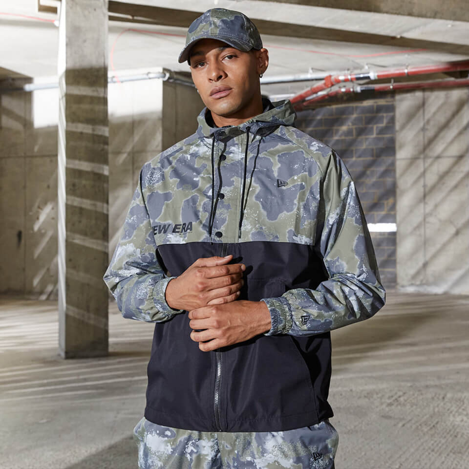Coupe-vent camouflage Outdoor de chez New Era