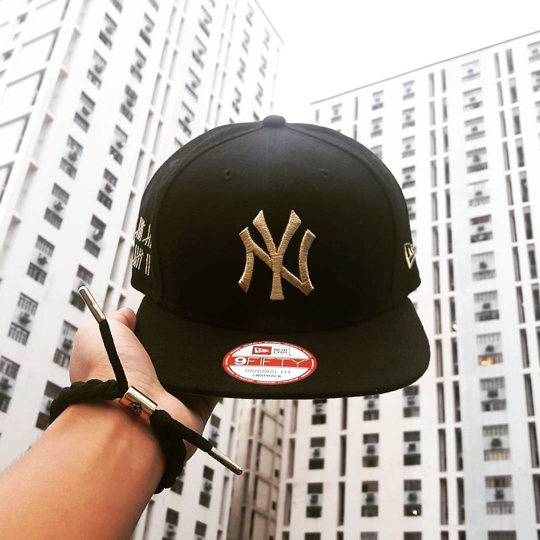 New Era black/gold NY Yankees 9FIFTY Original Fit Snapback