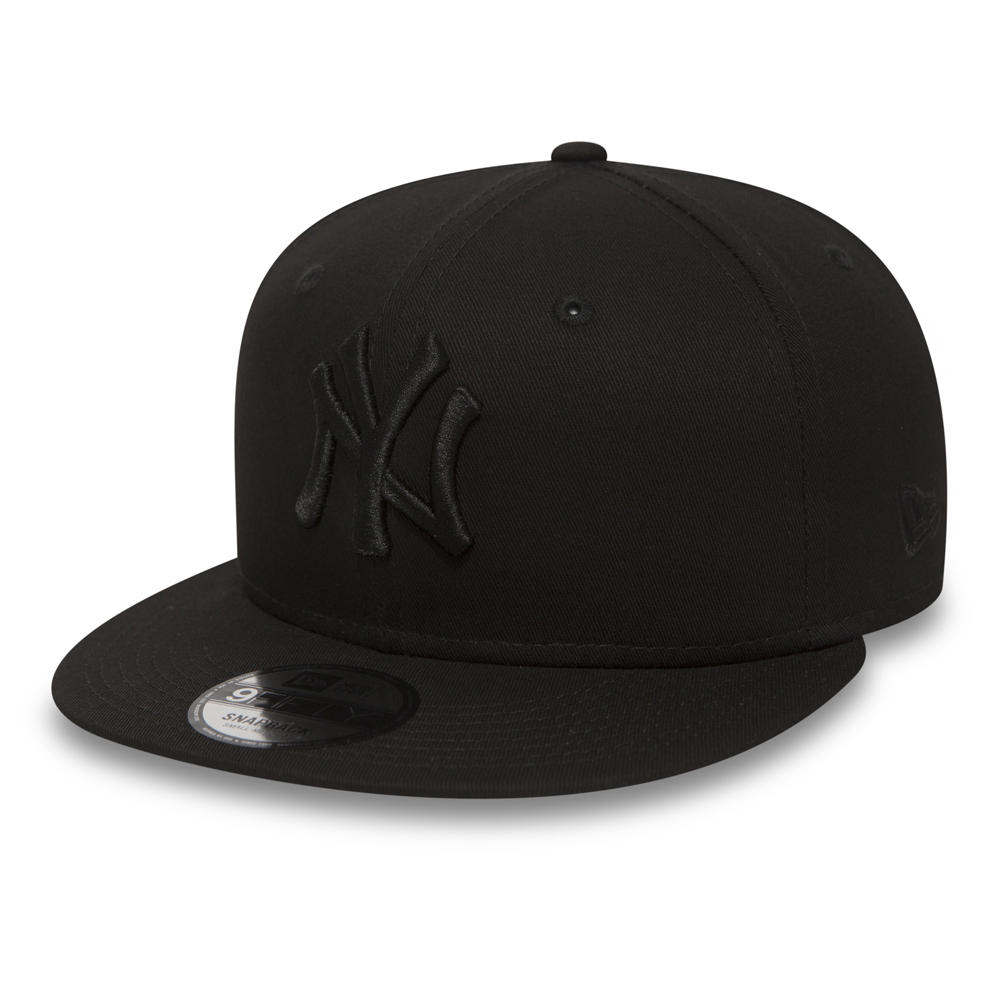 NY Yankees Black on Black 9FIFTY Snapback