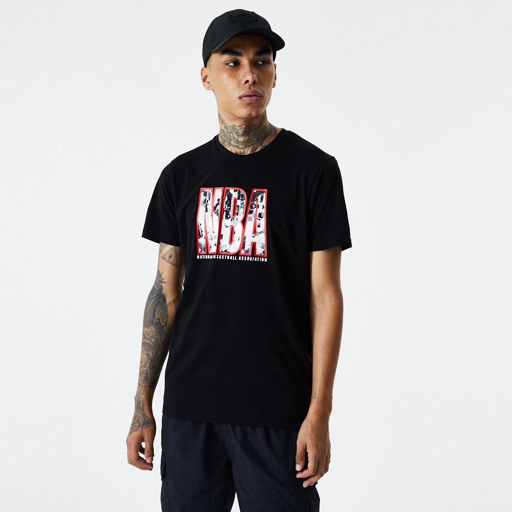 NBA – Error – T-Shirt in Schwarz mit Infill-Logo
