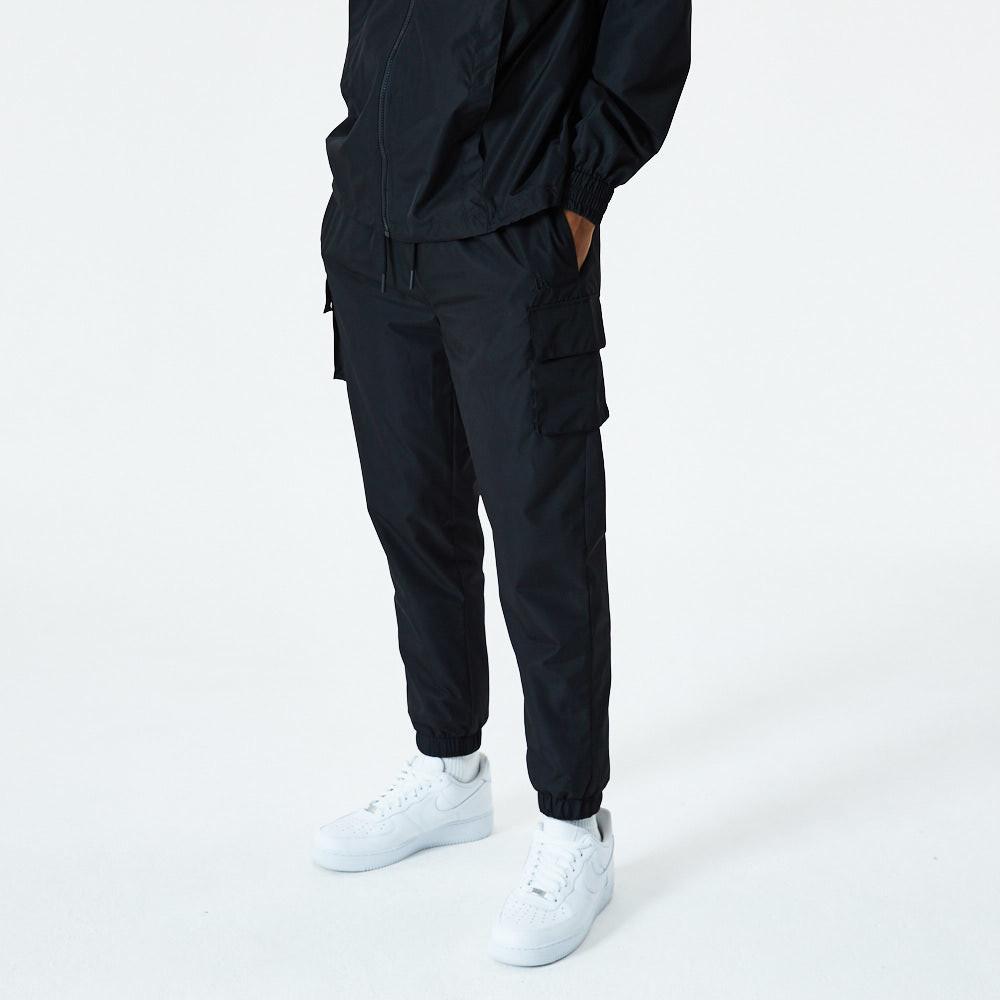 Pantaloni della tuta New Era Essential Cargo neri
