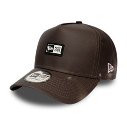 New Era Heat Reactive A-Frame Trucker marrone