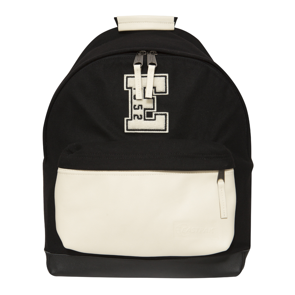 Zaino nero New Era X Eastpak Wyoming
