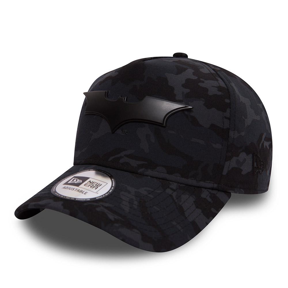 9FORTY ‒ A-Frame ‒ Batman Metal Hero ‒ Schwarz mit Camouflage-Muster