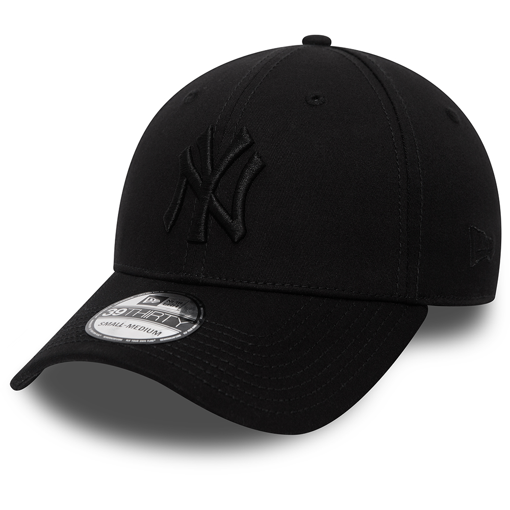 New York Yankees Essential Black on Black 39THIRTY