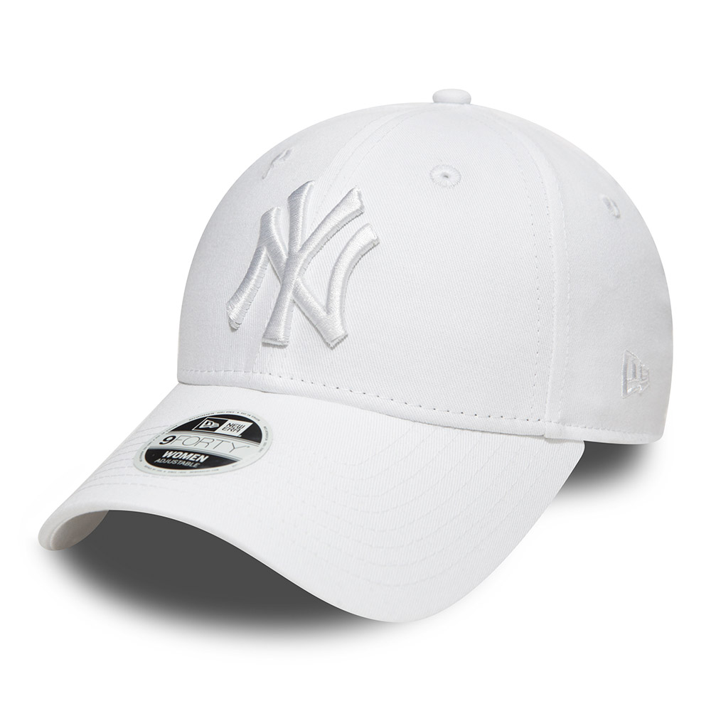... New York Yankees Essential White on White 9FORTY mujer c120dc4365b