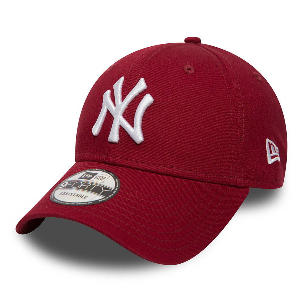 New York Yankees Essential 9FORTY e448842d504b