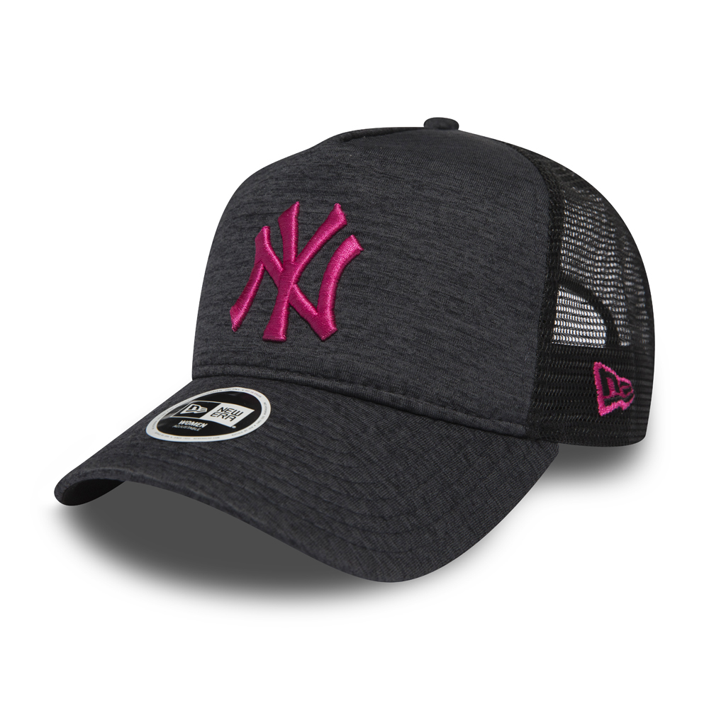 ... New York Yankees Essential A Frame Trucker mujer 2415b15ad204