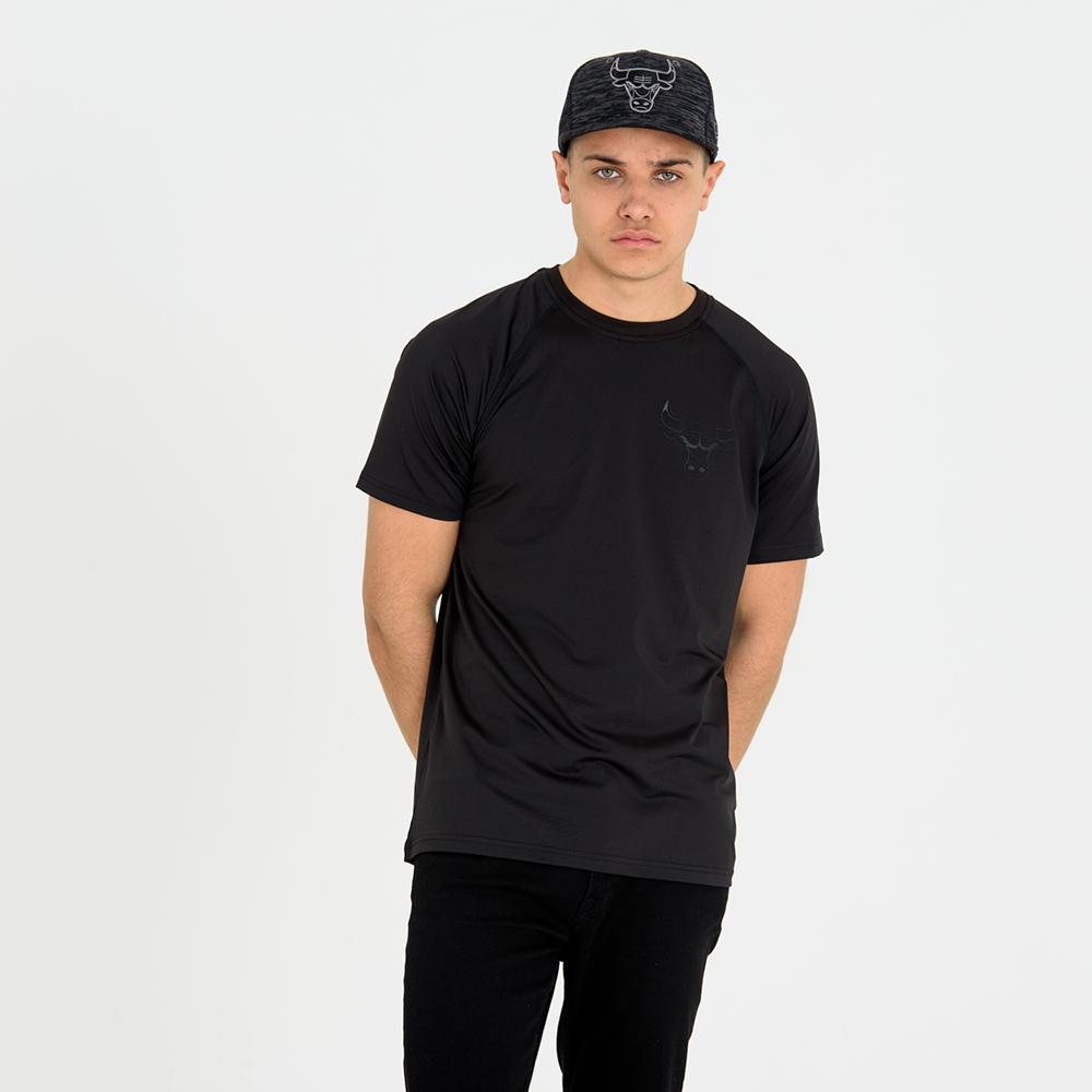 Chicago Bulls ‒ Engineered Fit ‒ Schwarzes T-Shirt