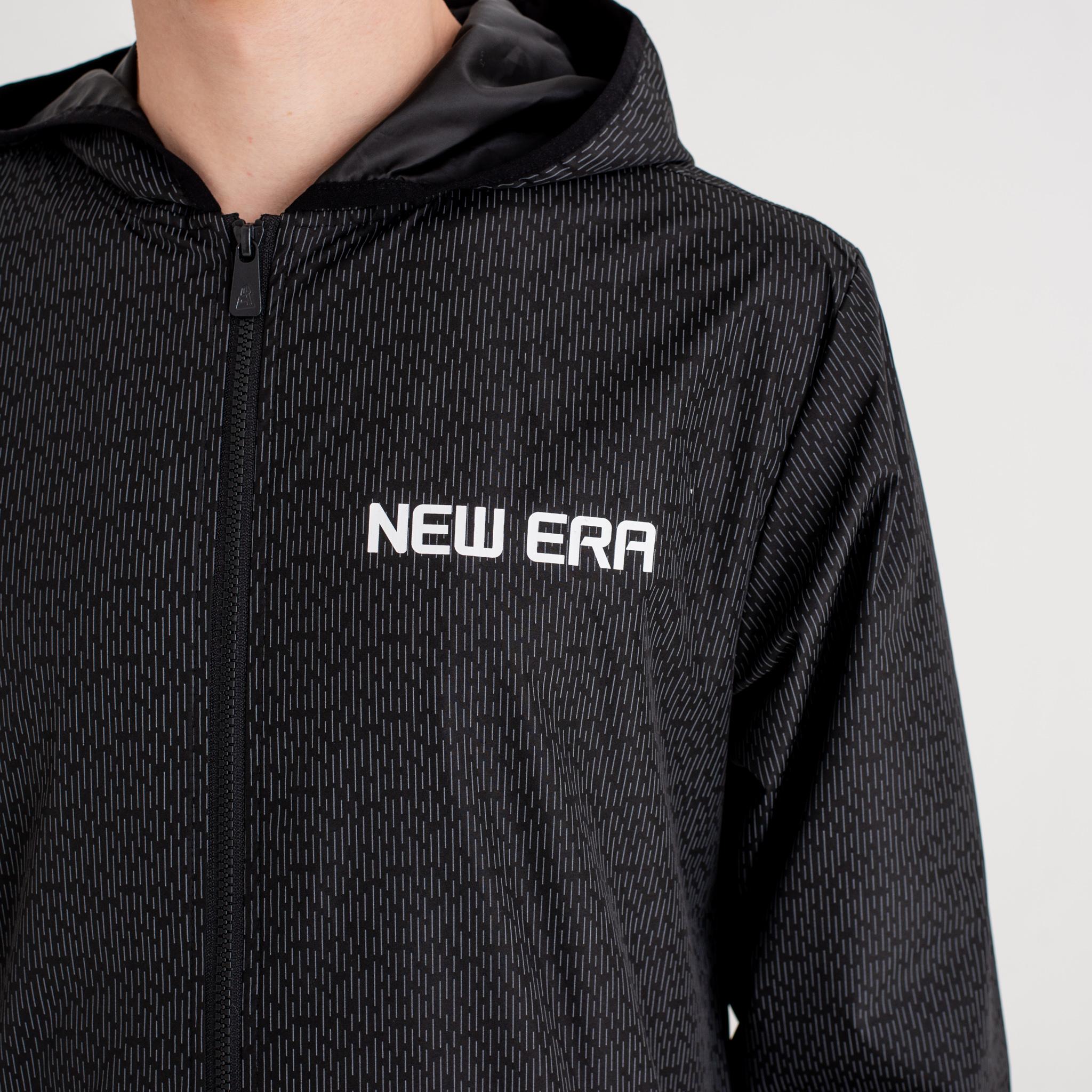 Chaqueta de entrenador con capucha New Era Rain Camo