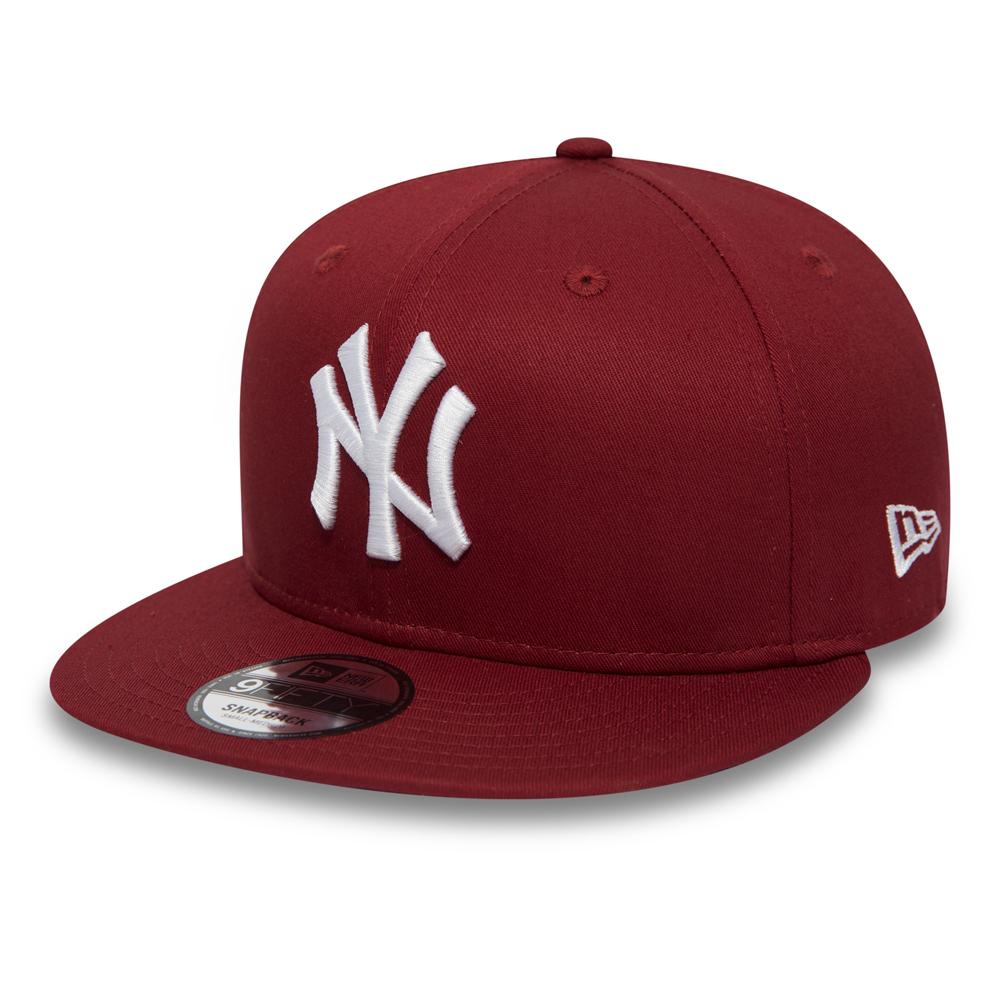 New York Yankees Essential Hot Red 9FIFTY Snapback da6918bab1a