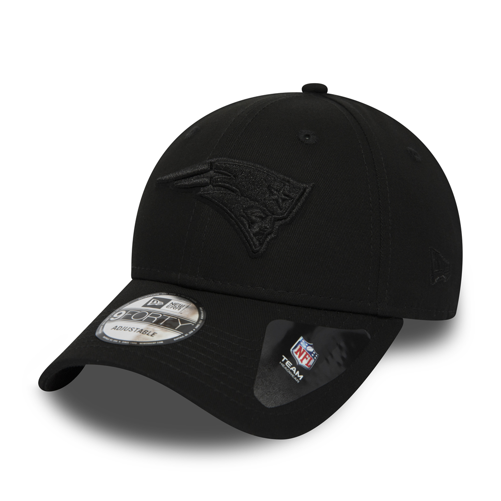 New England Patriots Black on Black 9FORTY Snapback