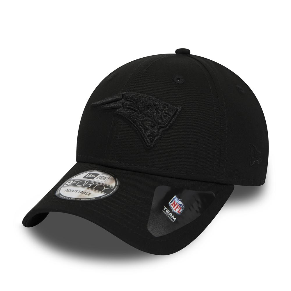 f016caa8e New England Patriots Black on Black 9FORTY Snapback