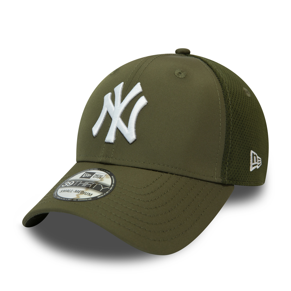 10a122fa05d New York Yankees Green Featherweight 39THIRTY