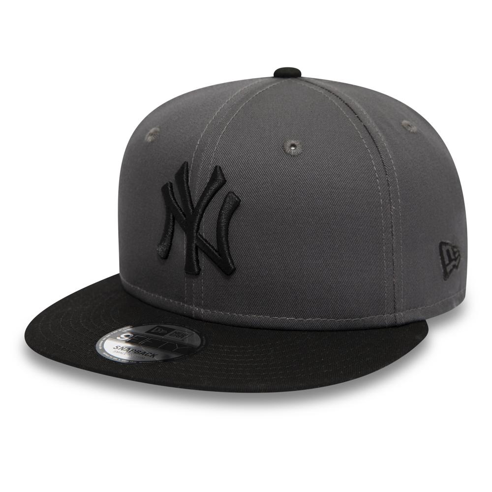 cdd0edba4676 New York Yankees Essential Graphite 9FIFTY Snapback
