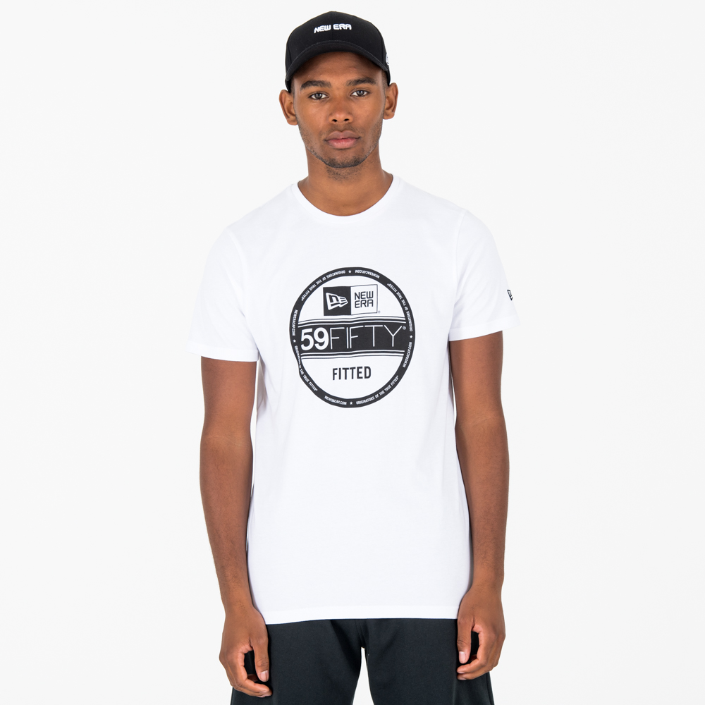 New Era – Essential T-Shirt mit Schirmsticker – Weiß