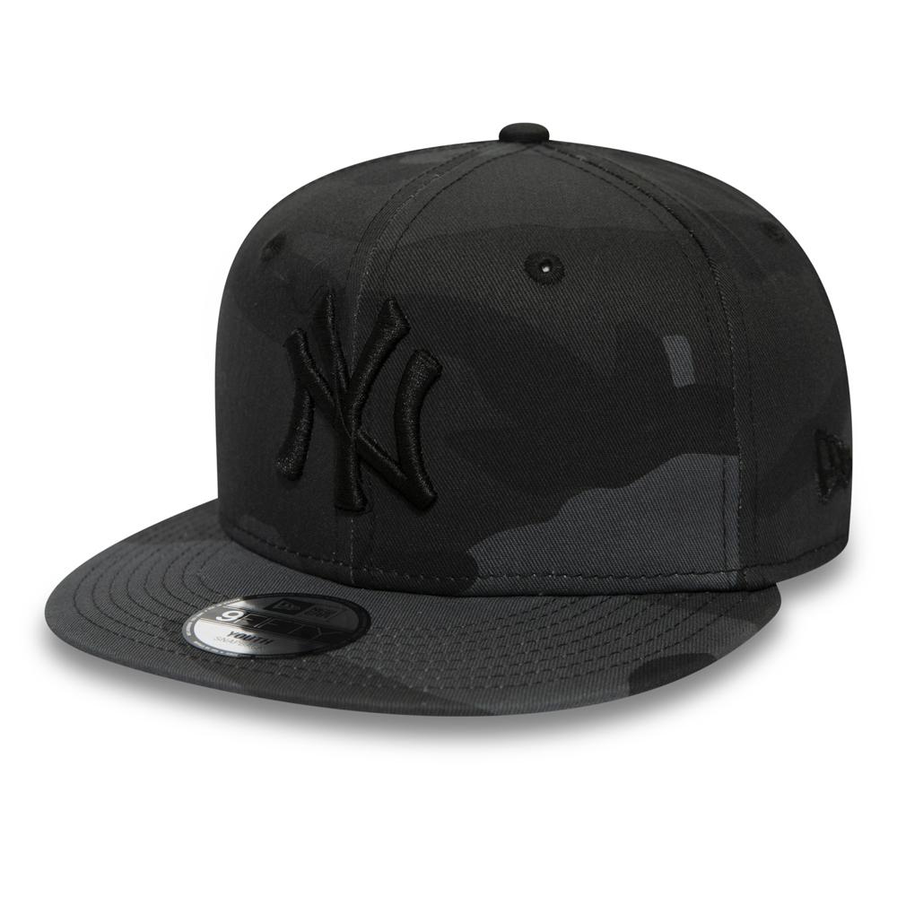 d96a5b4f8ad077 New York Yankees Midnight Camo Kids 9FIFTY SNAPBACK