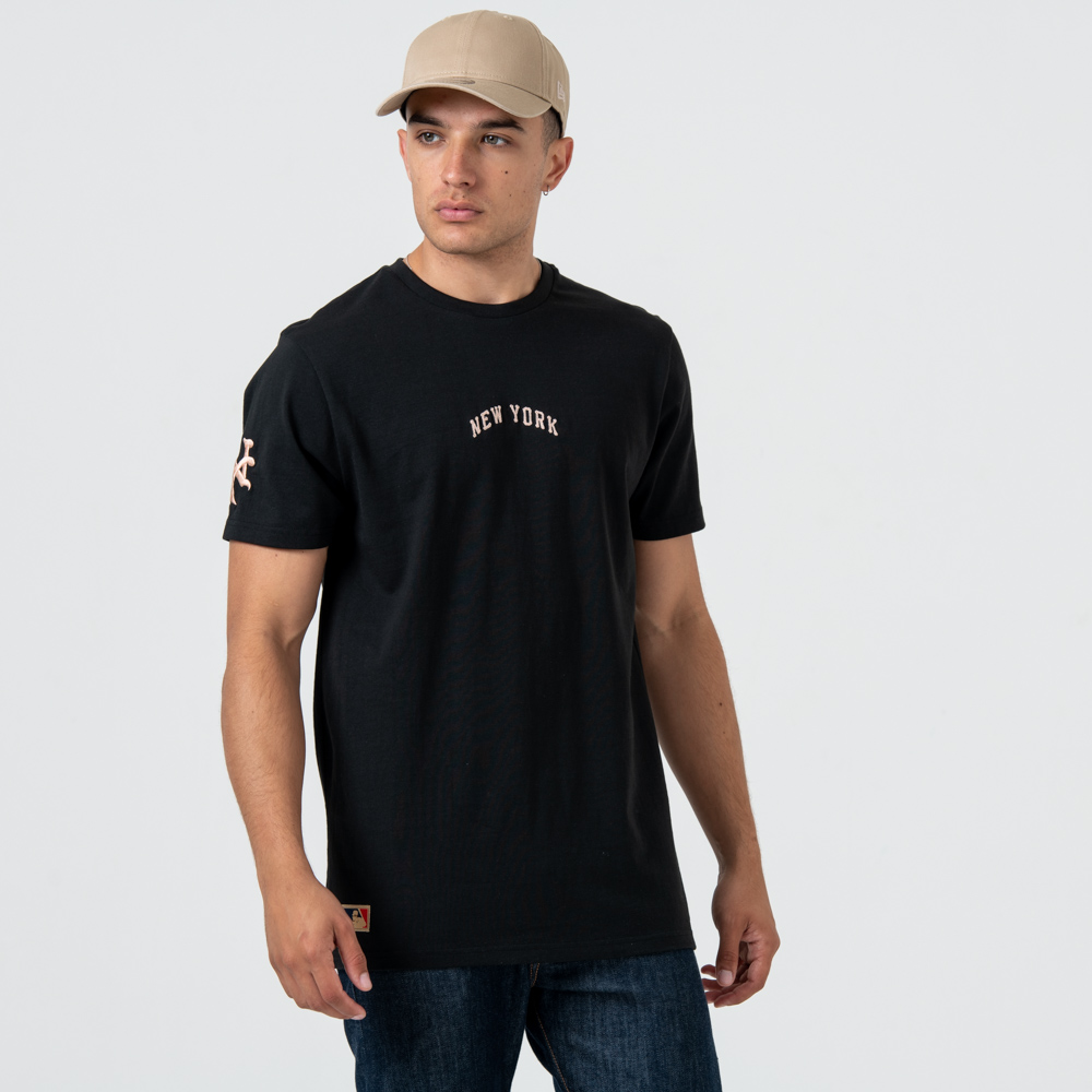 New York Giants Vintage Pocket Logo Black Tee