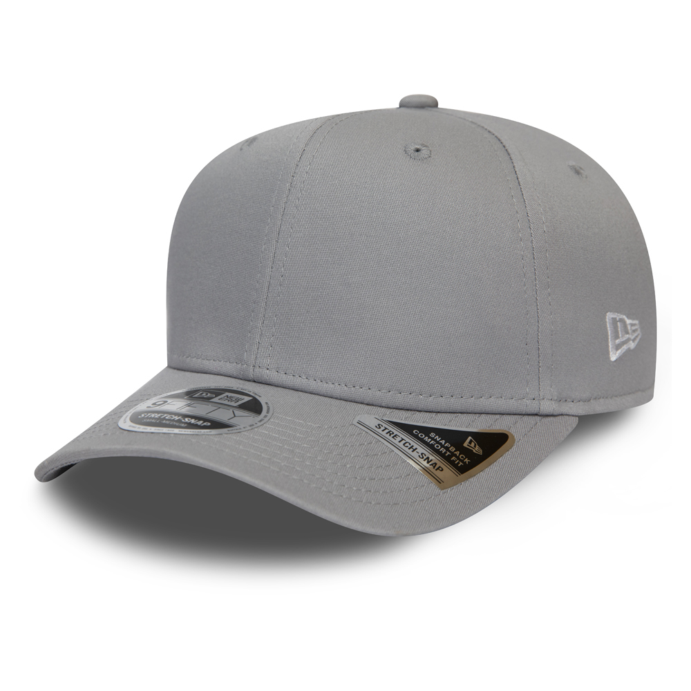 New Era Essential Stretch 9FIFTY Cap in Grau