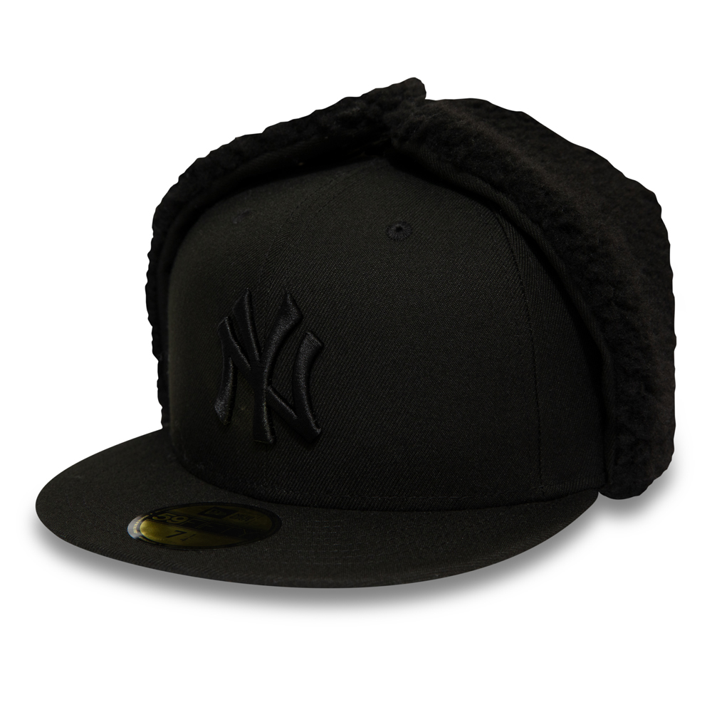 New York Yankees League Essential Dog Ear All Black 59FIFTY Cap