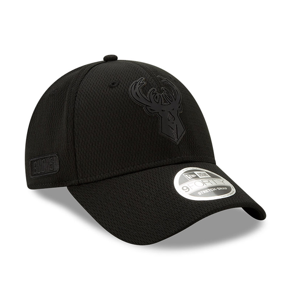 Milwaukee Bucks Back Half All Black Stretch Snap 9FORTY Cap