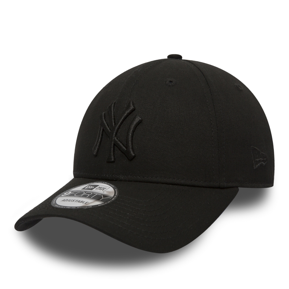NY Yankees Essential Black on Black 9FORTY b00edefeeb9