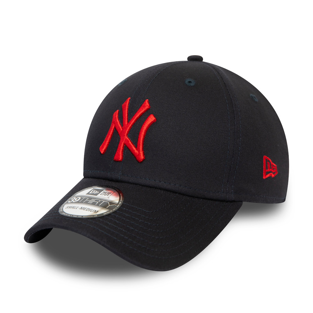 New York Yankees Essential Navy Contrast Logo 39THIRTY Cap