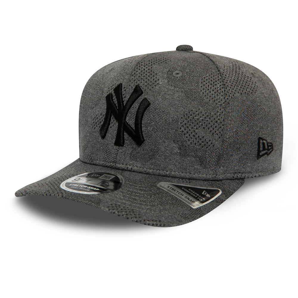 New York Yankees Engineered Plus Grey Stretch Snap 9FIFTY Cap