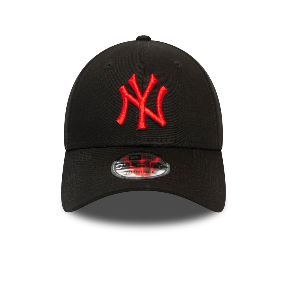 New York Yankees Essential Red Logo Black 9FORTY Cap