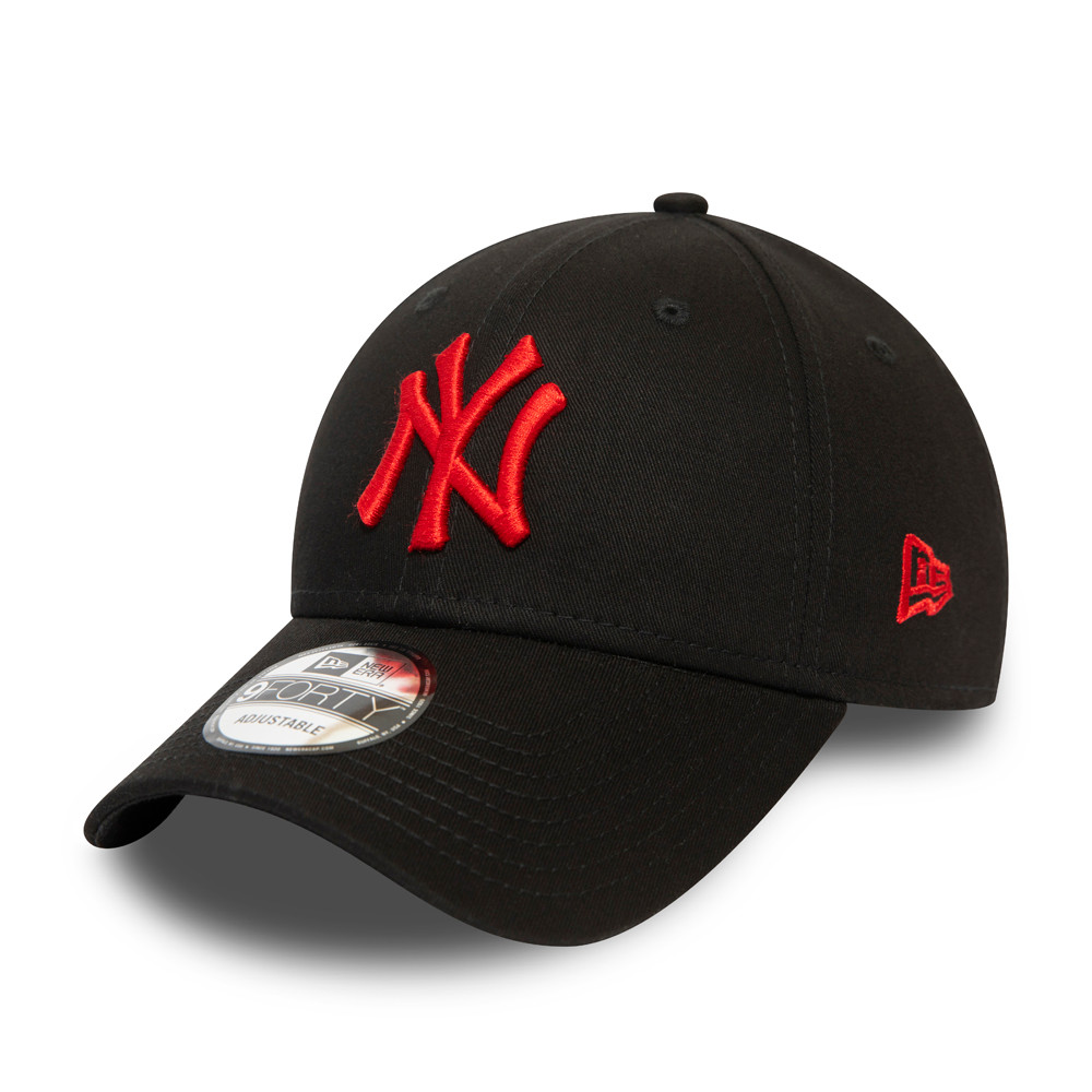 9FORTY – Essential – New York Yankees – Schwarze Kappe mit rotem Logo