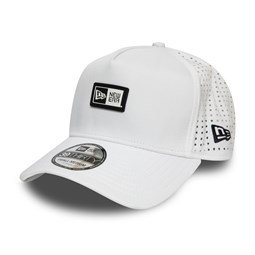 Gorra trucker New Era Logo Patch A-Frame, blanco